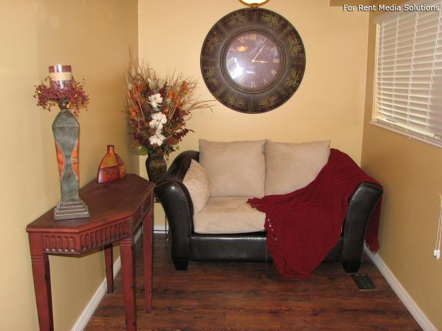 Buena Vista, West Valley City, UT, 84120: Photo 4