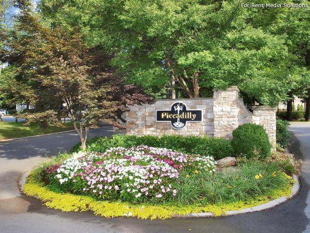 Piccadilly Apartments, Goodlettsville, TN, 37072: Photo 2