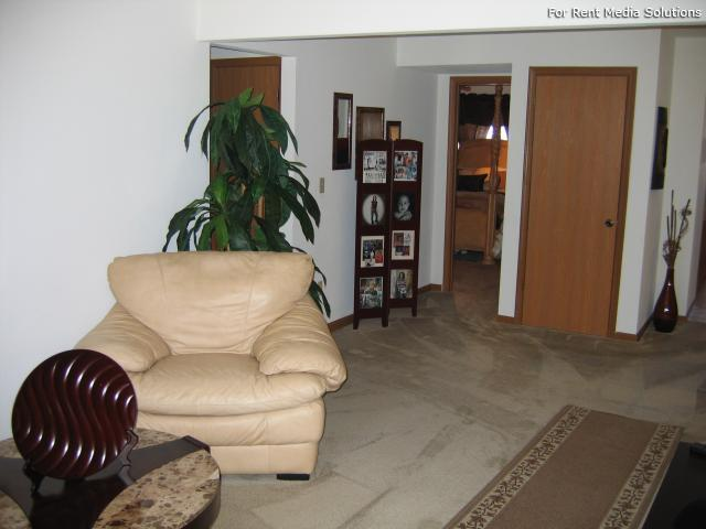 Reside Here, Belleville, IL, 62221: Photo 6