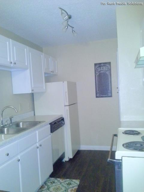 Serenity Apartments at Greensboro, Greensboro, NC, 27405: Photo 5