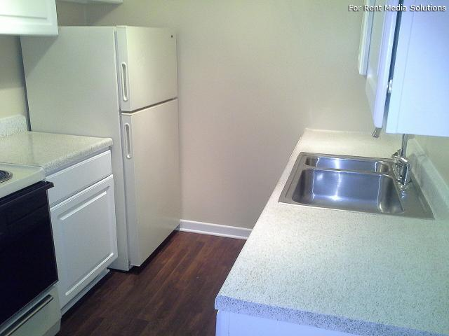 Serenity Apartments at Greensboro, Greensboro, NC, 27405: Photo 31