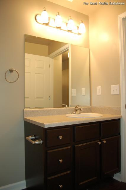 Auburn Hill Apartments, Indianapolis, IN, 46224: Photo 24