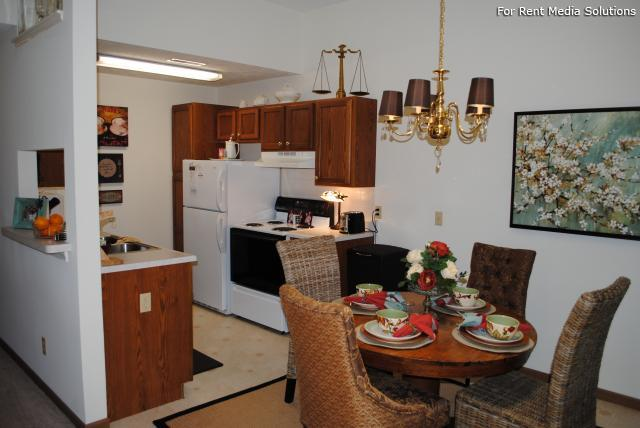 Potters Creek Apartments, Alliance, OH, 44601: Photo 8