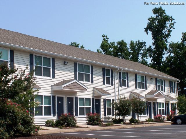 Maplewood Apartments, Chesapeake, VA, 23321: Photo 1