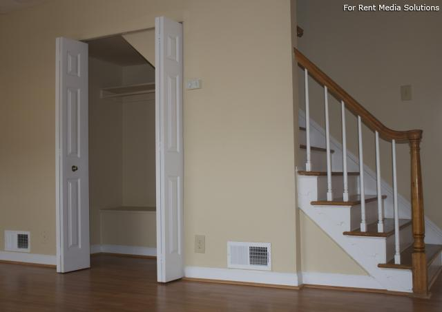 Crown Point Townhomes, Norfolk, VA, 23502: Photo 5