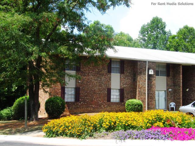 Carolina Apartments, Carrboro, NC, 27510: Photo 5