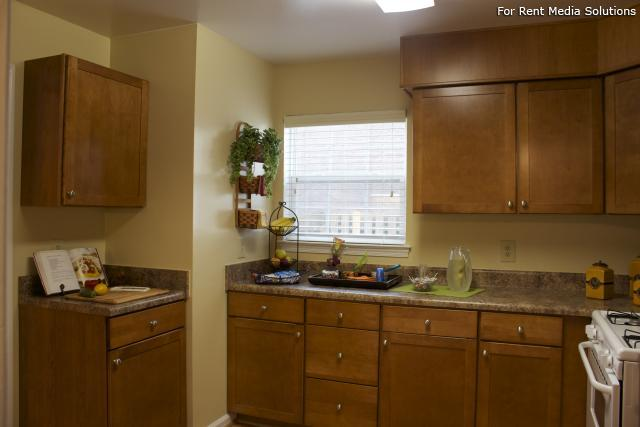 Crown Point Townhomes, Norfolk, VA, 23502: Photo 7