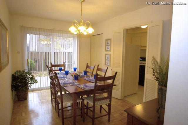 Crown Point Townhomes, Norfolk, VA, 23502: Photo 9