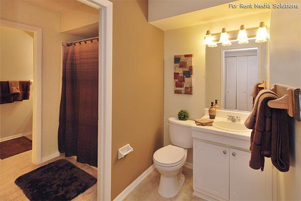 Carolina Apartments, Carrboro, NC, 27510: Photo 9