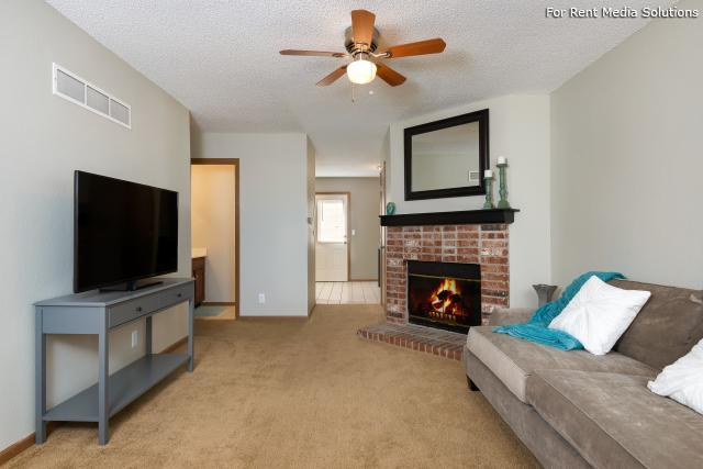 Windsor Townhomes, Olathe, KS, 66062: Photo 5