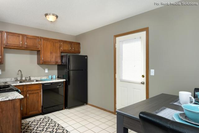 Windsor Townhomes, Olathe, KS, 66062: Photo 9
