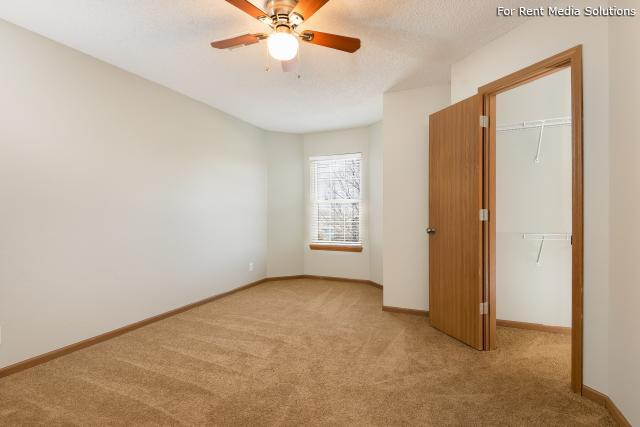 Windsor Townhomes, Olathe, KS, 66062: Photo 11