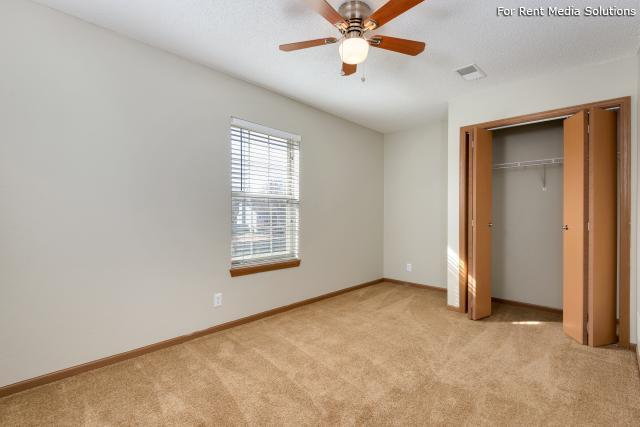 Windsor Townhomes, Olathe, KS, 66062: Photo 12