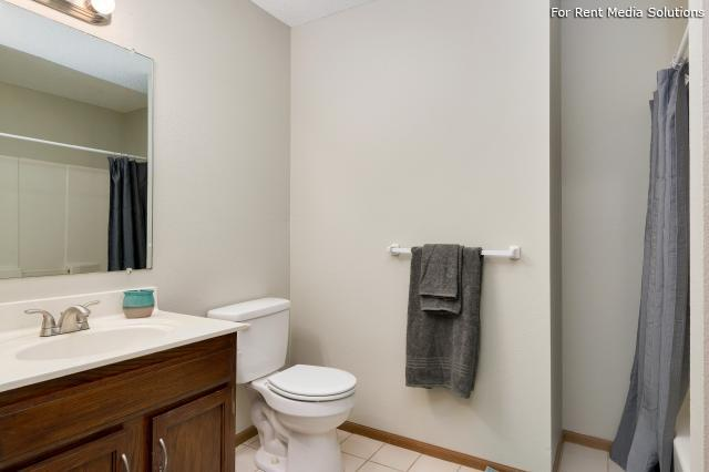 Windsor Townhomes, Olathe, KS, 66062: Photo 14