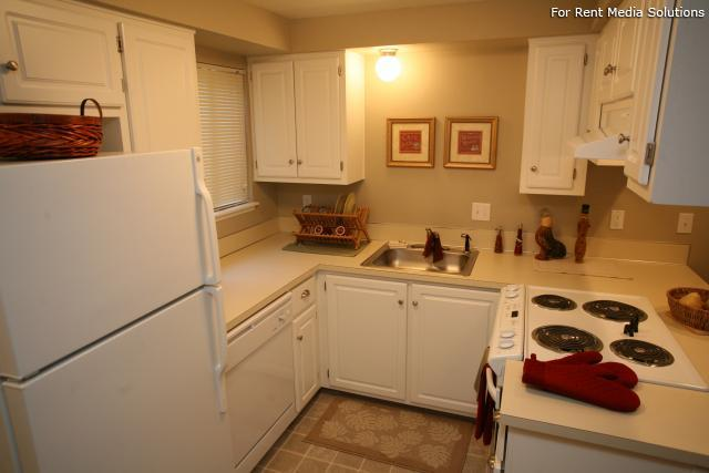 Forest Ridge Apartment Homes, Salem, OR, 97302: Photo 7