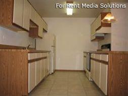 Camelot Apartments, Crystal Lake, IL, 60014: Photo 4