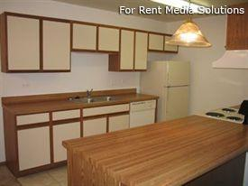 Camelot Apartments, Crystal Lake, IL, 60014: Photo 5