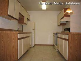 Camelot Apartments, Crystal Lake, IL, 60014: Photo 9