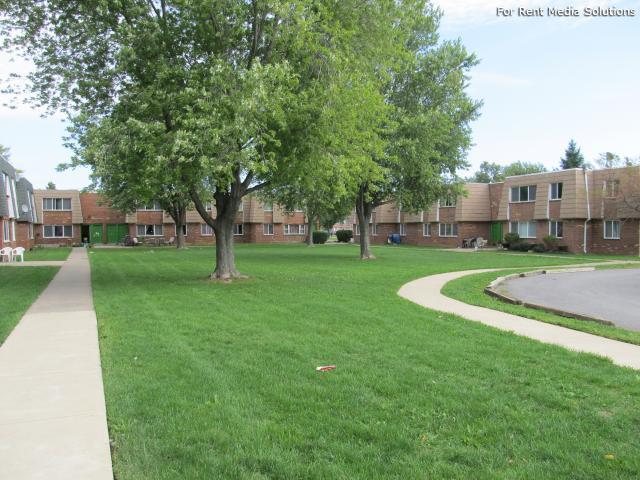 Royal Park Apartments & Heritage Commons Apartments, Niagara Falls, NY, 14304: Photo 1