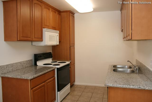 Orangewood Villa Apartments, Orange, CA, 92867: Photo 3
