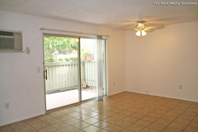 Orangewood Villa Apartments, Orange, CA, 92867: Photo 4