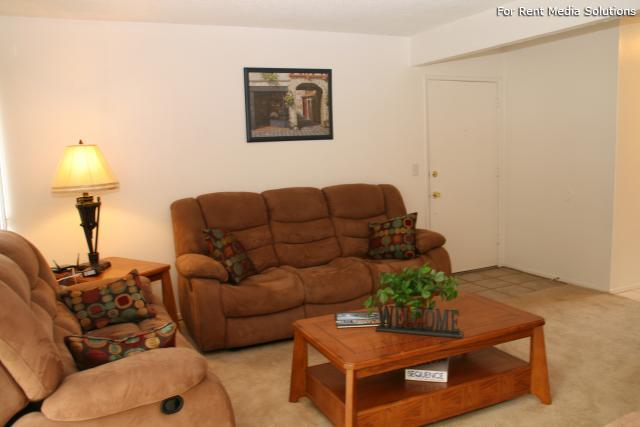 Orangewood Villa Apartments, Orange, CA, 92867: Photo 7