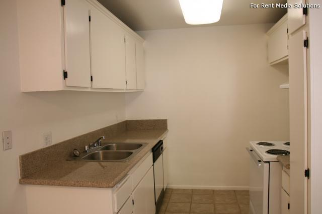 Orangewood Villa Apartments, Orange, CA, 92867: Photo 9