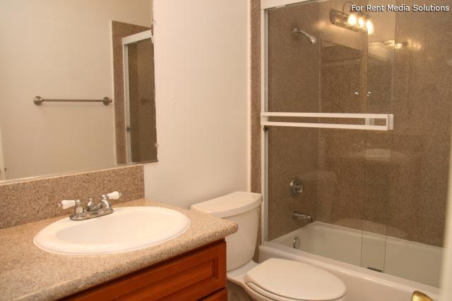 Orangewood Villa Apartments, Orange, CA, 92867: Photo 10