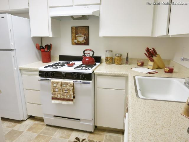 Oakpoint Apartments, Carmichael, CA, 95608: Photo 9