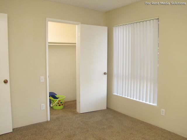 Oakpoint Apartments, Carmichael, CA, 95608: Photo 10