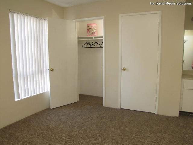 Oakpoint Apartments, Carmichael, CA, 95608: Photo 11