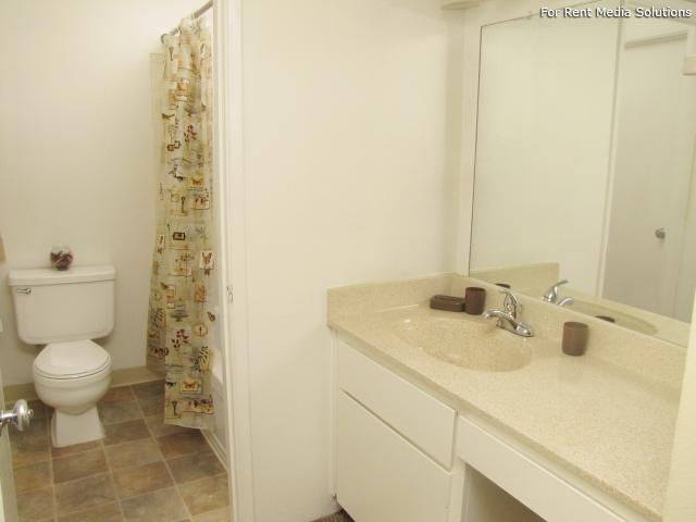 Oakpoint Apartments, Carmichael, CA, 95608: Photo 12