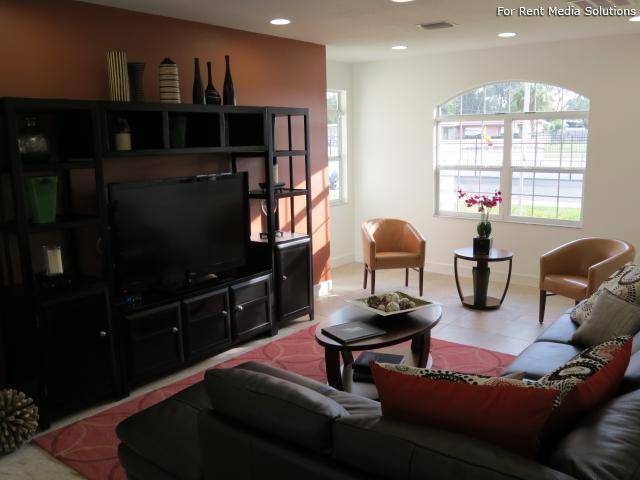 Emerald Villas, Orlando, FL, 32808: Photo 5