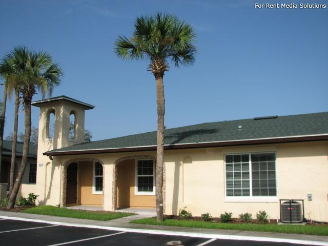 Emerald Villas, Orlando, FL, 32808: Photo 8