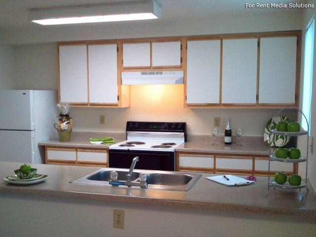 Main Street Village Apartment Homes, Tigard, OR, 97223: Photo 6