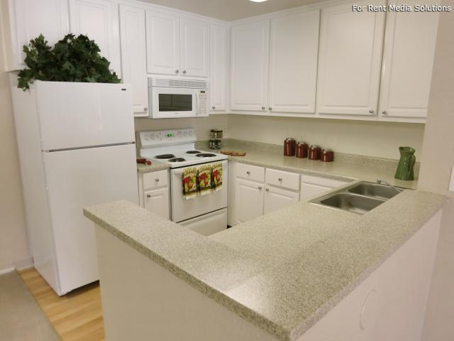 Oak Pointe Apartments, Sacramento, CA, 95833: Photo 4