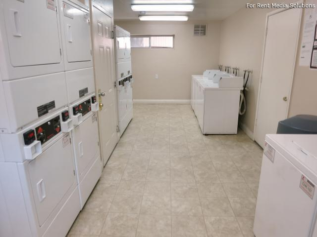 Oak Pointe Apartments, Sacramento, CA, 95833: Photo 10