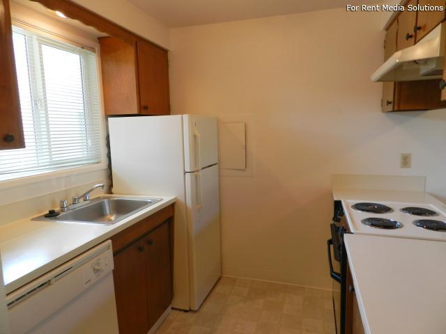 Meadowlawn Apartments, Salem, OR, 97317: Photo 26