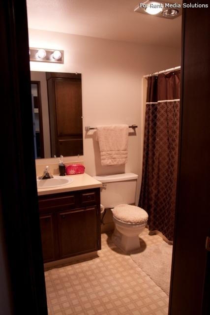 Meadowlawn Apartments, Salem, OR, 97317: Photo 36