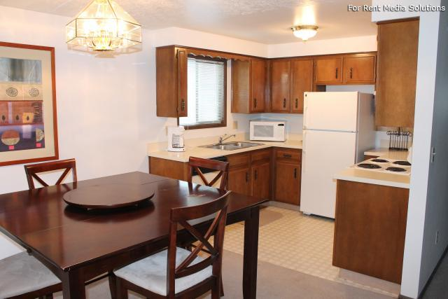 Meadowlawn Apartments, Salem, OR, 97317: Photo 43