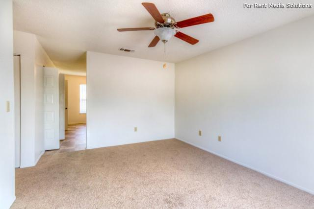 Olive Branch Townhomes, Batavia, OH, 45103: Photo 9