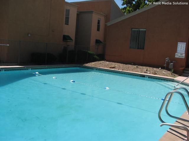 Pinewood Estates, Albuquerque, NM, 87110: Photo 5