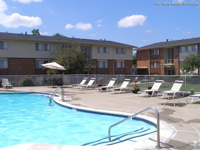 Huntington on the Hill Apartments, Westland, MI, 48185: Photo 10