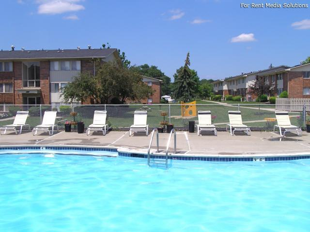 Huntington on the Hill Apartments, Westland, MI, 48185: Photo 11