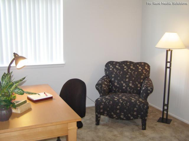 Huntington on the Hill Apartments, Westland, MI, 48185: Photo 22
