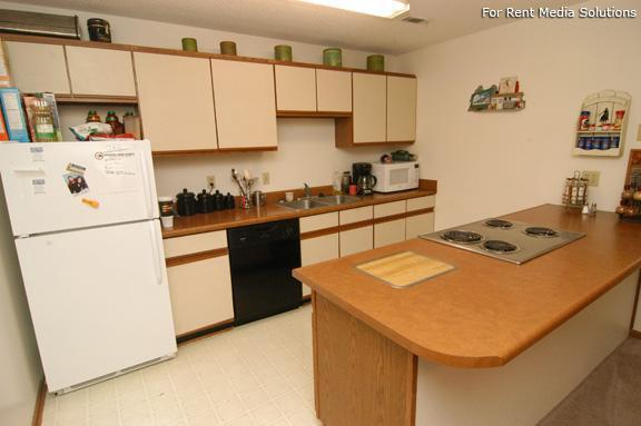 College Park Apartments, Lincoln, NE, 68505: Photo 7
