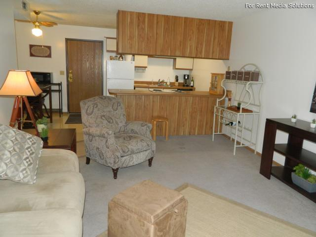 College Park Apartments, Lincoln, NE, 68505: Photo 10