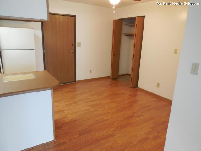 College Park Apartments, Lincoln, NE, 68505: Photo 34