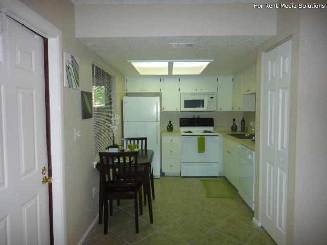 Apartments at Oak Creek, Clearwater, FL, 33760: Photo 3