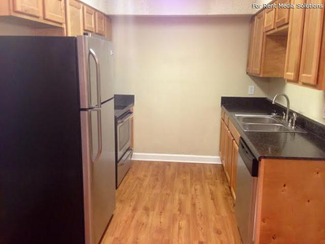 Carriage Place Condominiums, Columbia, SC, 29209: Photo 1